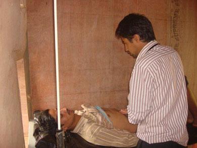 Bishnu mit Patient