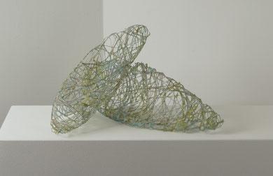 """"""" stones """" pigmentierte Papierfasern über Drahtkörper geschöpft  53 x 18 / 70 x 20 cm"""