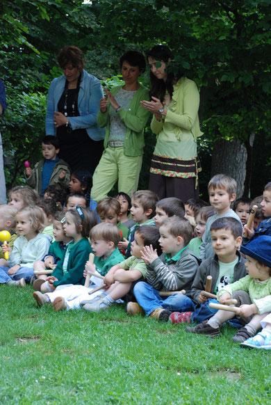 Petits de maternelle pour leur premier spectacle... de musiciens !