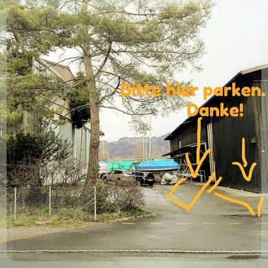 Bitte auf den orange markierten Feldern parken