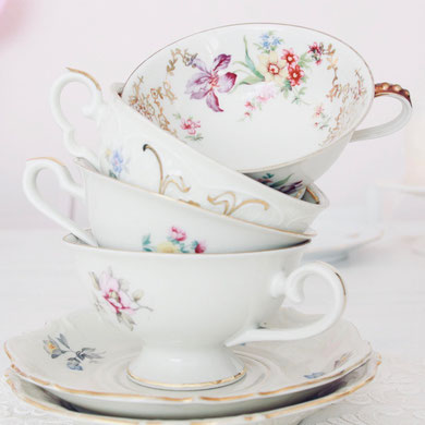 Kaffeetasse vintage antik Porzellan Blumen floral Untertasse verspielt gemischt Hochzeit Geburtstag party Geschirr verleih mieten tischleihendeckdich Tischlein deck dich