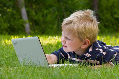 Conny - Foto 4 - Der Fortschritt eines Kindes (Natur) und der Technik