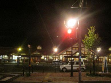 河口湖駅。駅前の「ほうとう不動」で 名物ほうとうを食べました。