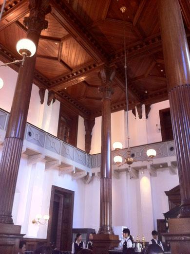 ここは1894CAFE^^ この昔ながらの建築物がとても好き