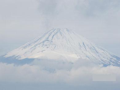 三国峠から晩秋の富士山