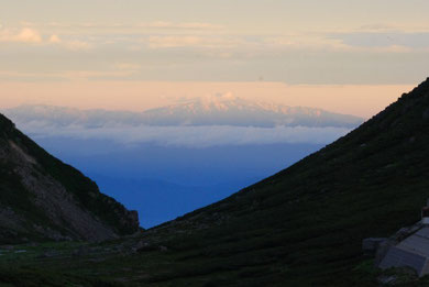 早朝の山脈 photo by 白鳥保美