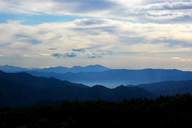山並 photo by 白鳥保美