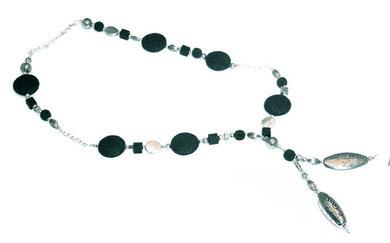 Kette mit dunkelgrünen Lava Perlen