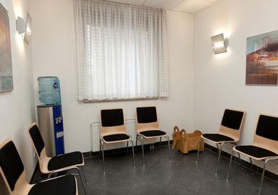 Wartezimmer Zahnarzt-Praxis Wurster in Nürtingen