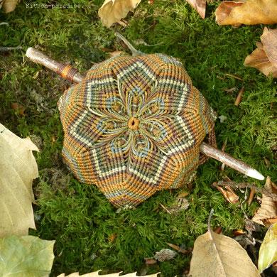 kp kitsch-paradise artisans créateurs barrette macramé mandala bois noisetier