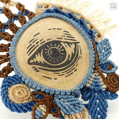 médaillon linogravure collection macramé bijoux broche oeil bois nature