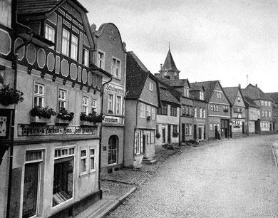 2. Haus von links Schuhladen Tannenbaum (Original Privatbesitz)