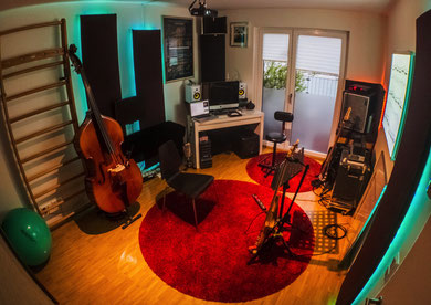 Studio, Tronstudio, Komposition, Audio, Editing, Aufnahmen, Sprache, Instrumental, Arrangement, Werbung, Orchestration, Musikproduktion, Mikrofon, Midi, Vocals, Ensemble, Pre-Amp, Audio-Logo, Sounddesign, Foley, Recording, Fürth, Nürnberg, Erlangen