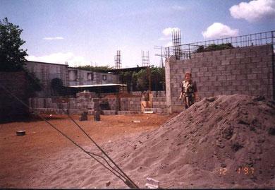Construcción del edificio de Montrecillos