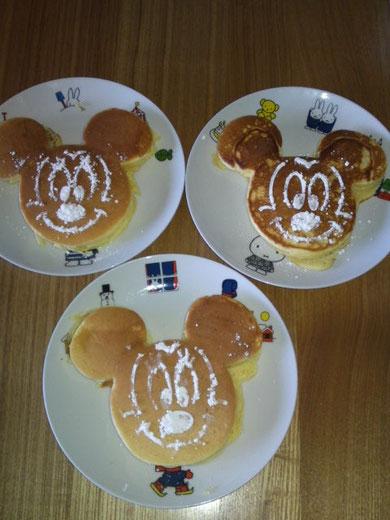 ミッキーマウスホットケーキ
