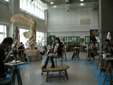 Modeling session at Dohto University for  Sculpture I class, 2005