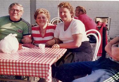 August Stegemann, Eva-Marie Schwing und Renate Stegemann in Garbsen