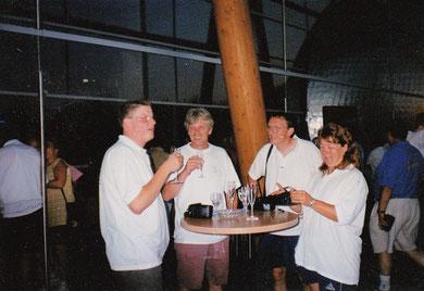 Eröffnungsfeier; von links: Christian Somnitz, Peter Hickert aus Witten, Michael und Andrea Reinicke
