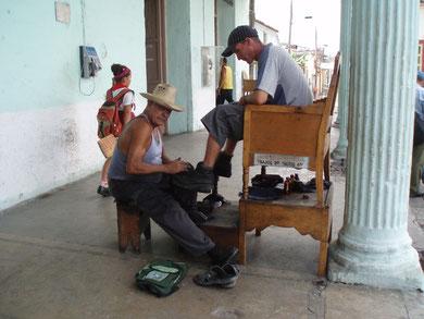 Schuhputzer in Porto Santo