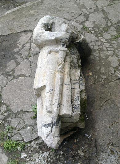 2012 г. май. В городе Лабиау-Полеск найдена скульптура орденского рыцаря, до войны она украшала фасад ратуши.