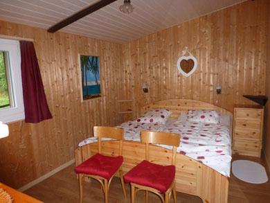intime slaapkamer, twee aparte matrassen en donsdekens