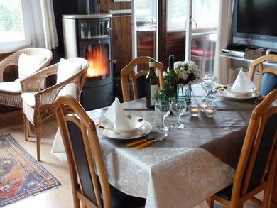 stijlvol eten bij de kachel en een mooi vuur