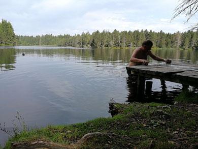 zwemmen in natuurvijvers, midden in de natuur