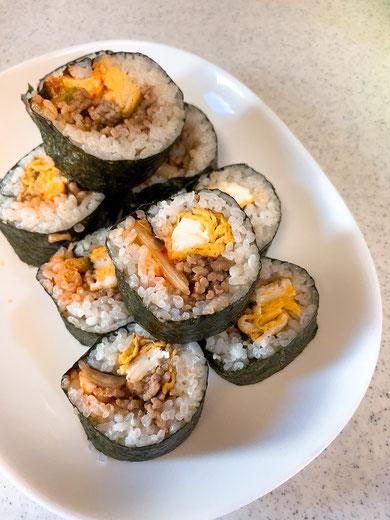 お昼に作った巻き寿司(ブログに関係ない。笑)