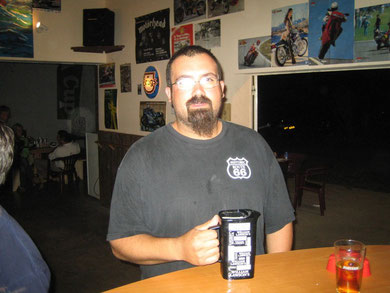Il a enfin trouvé un verre à sa taille