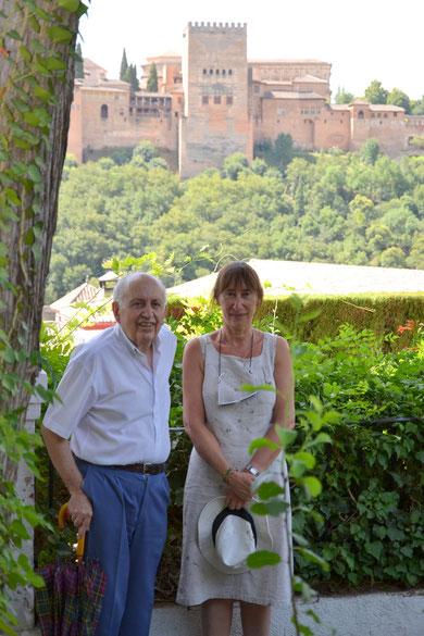Magnifique rencontre avec le romancier, traducteur et chroniqueur espagnol Francisco Gil Graviotto à l'Alhambra de Grenade