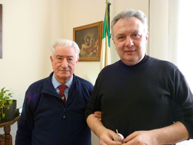 Il regista Mauro Vittorio QUATTRINA con il Generale Edgardo PISANI presso il Circolo Ufficiali di Castelvecchio Verona