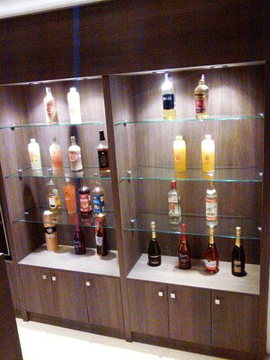 Muebles bar modernos mueble bar mist de punt mobles - Mueble bar moderno ...
