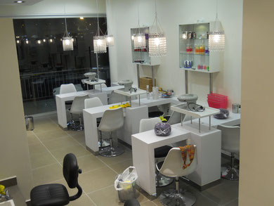 Muebles salon belleza spa acua viva mr muebles modulares for Acqua nail salon