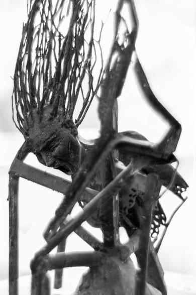 Di Giovanni Eléna Sculpture cri en Bronze création Art avec cheveux en branches