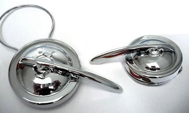 La diferencia estética con el tapón tipo bayoneta del modelo de la Ducati Mini 2 es evidente