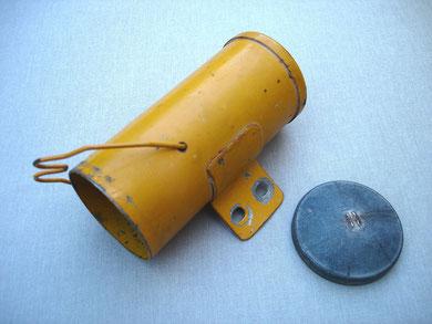 Caja porta-herramientas de una Mini 2, antes de ser restaurada