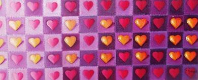 des petits coeurs  en pleine lumière formant une inscription