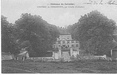 Le château de Pierrepont depuis l'Eglise de la Sainte-Trinité