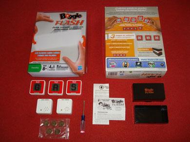Contenido de la caja del Hasbro Boggle Flash + destornillador