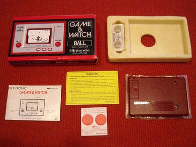 Contenido de la caja de la Game & Watch Ball