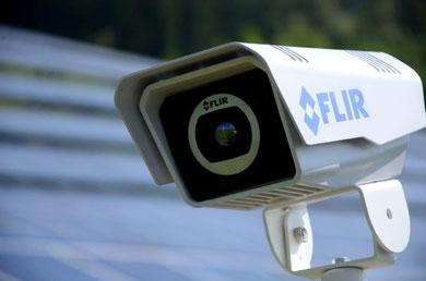 Thermalkamera mit Videoanalytics für PV-Park