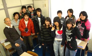 中3生と塾長で12/30に記念撮影しました