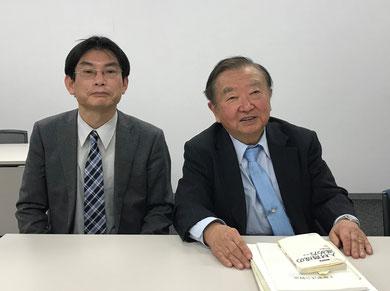インタビュー後、左から上坂浩史、桐村さん