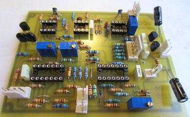 Pour finir, on rajoute les trimmers, le mica, les électros, le J112 et les régulateurs.