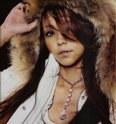 安室 奈美恵さんもFunky Divasオリジナルのネックレスを着用!