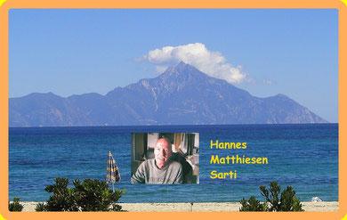 Ich vor unserem Heiligen Berg Athos
