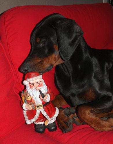 Kann man den Weihnachtsmann inniger küssen?