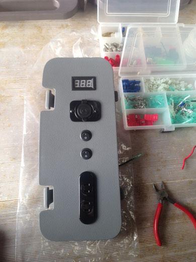 ミニバンにサブバッテリーと走行充電キットを取り付けられます!OSPトランポキットまで!