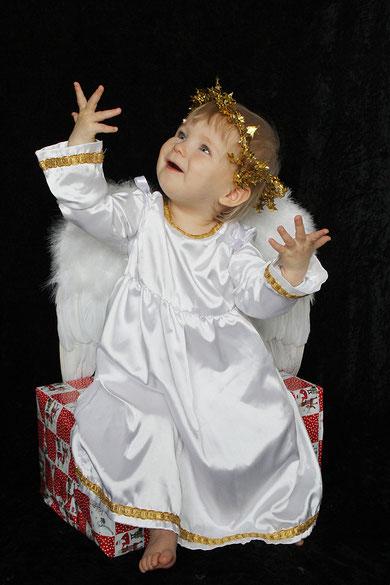 Jona Lisa als Engel