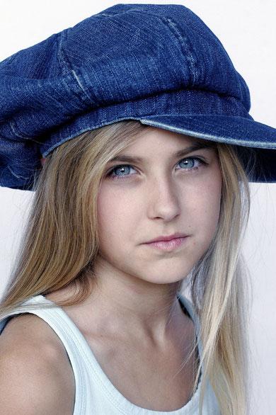 mit blauer Mütze